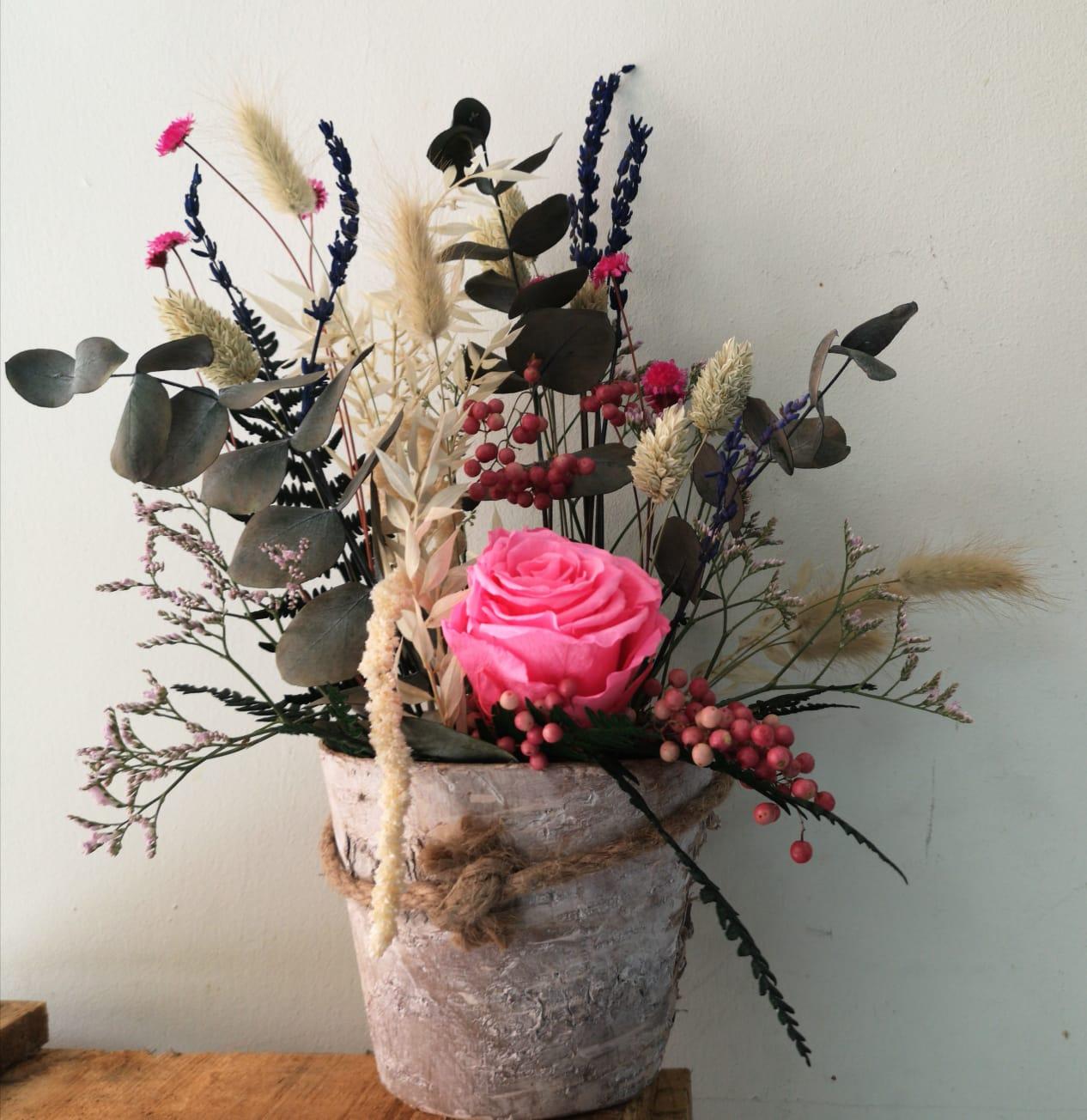 Base con flor seca y preservada 30