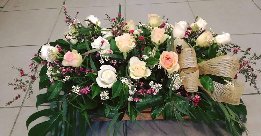Caja de madera con rosas 85